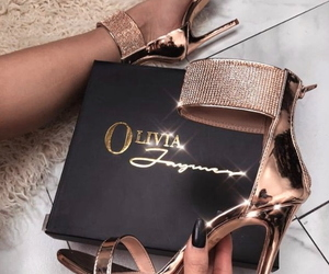 fashion, gold, and luxurious image