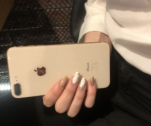 girls, hand, and iphone image