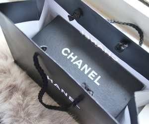 box, love, and chanel gift image