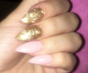 nails, Nude, and giltter image