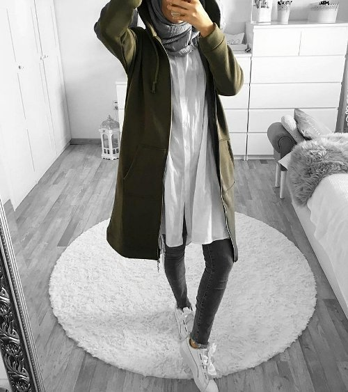 Hijab style with sneakers – Just Trendy