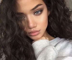 blue eyes, curly hair, and forever 21 image
