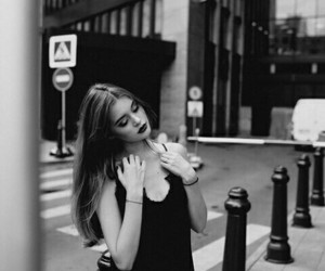 b&w, beauty, and girls image