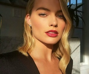 margot robbie, beauty, and blonde image
