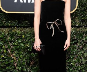 dove cameron and golden globes 2018 image