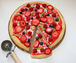 pizza, strawberry, and fruit image