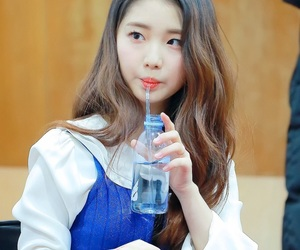 yeojin, loona, and 이달의 소녀 image