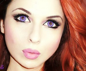 blue eye contacts image