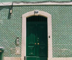 arquitetura, door, and green image