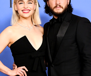 emilia clarke, golden globes, and game of thrones image