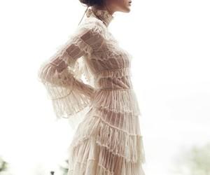 paisaje, vestido blanco, and perfil image