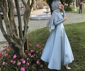 dress, fashion, and hijâbi image
