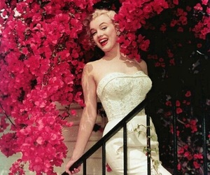 Marilyn Monroe and flowers image