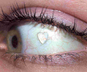grunge, heart, and eye image