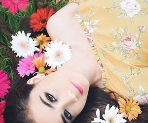 colorful, daisy, and eyes image