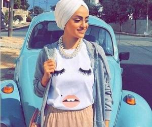 blink tee hijab style