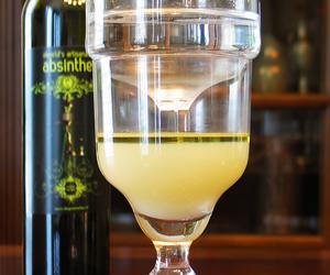 absinthe, glass, and absintheonthenet.com image