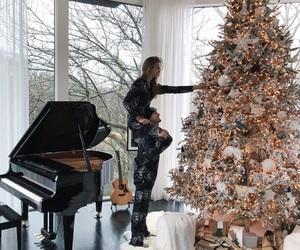 christmas tree, josephine, and skriver image