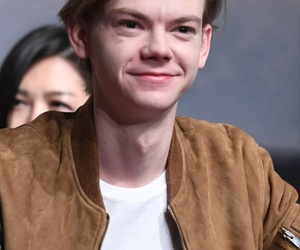 thomas sangster, tbs, and thomas brodie sangster image