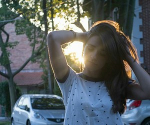 atardecer, sol, and girl image