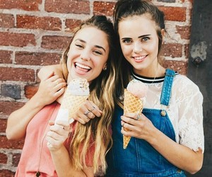 best friends, photoshoot, and girl gang image