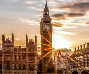 article and london image
