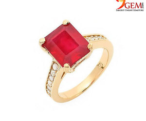 ruby rings, ruby jewelry, and ruby gemstone ring image