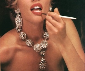 Marilyn Monroe, beauty beautiful pretty, and glamorous fancy glamour image