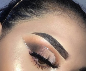 makeup and cut crease image
