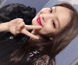 girl group, korean, and selfie image