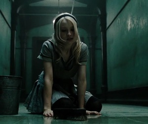 emily browning and sucker punch image