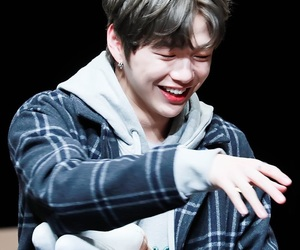 wanna one and kang daniel image