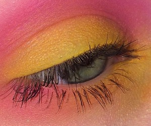 yellow, beauty, and eyeshadow image