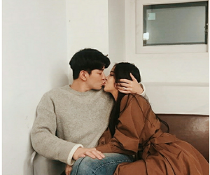 couple, kiss, and ulzzang image