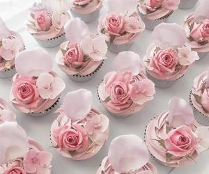 cupcakes, food, and petals image