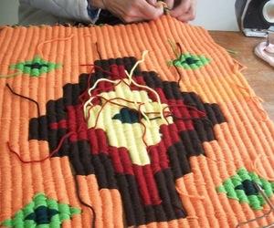 peg looming, peg loom weaving, and cambio de colores image