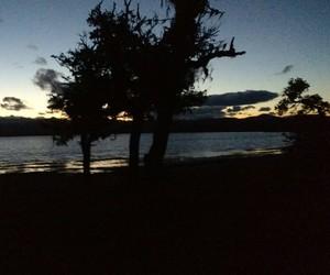 acampar, atardecer, and lago image