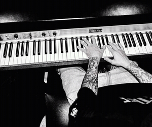 justin bieber, boy, and piano image