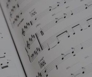 music and music sheet image