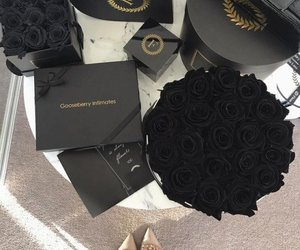rosas and black image