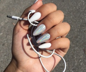 music, beautiful, and nails image