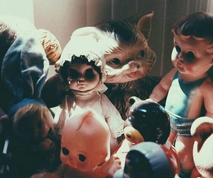 baby dolls, shadow, and vintage dolls image