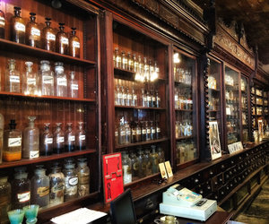 new orleans, usa, and pharmacy museum image