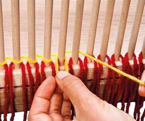 peg loom weaving, stäbchenweben, and einseitig gerippt image