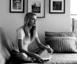 casual, reading, and bregje heinen image