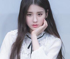 girl, heejin, and loona image