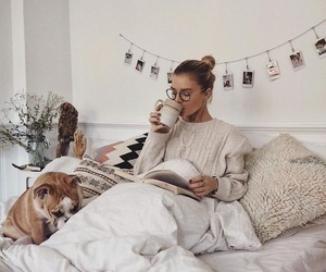girl, cozy, and bed image