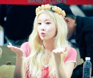 k-pop, kpop, and loona image