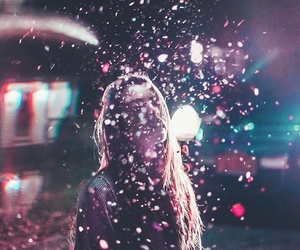 photography, girl, and glitter image