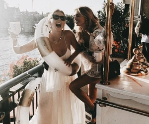 best friend, bff, and fashion image